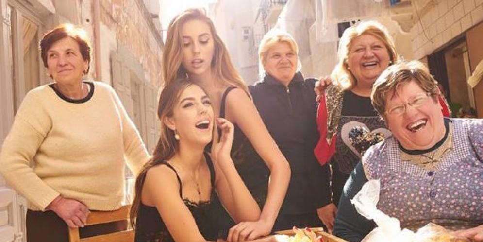 Le figlie di Stallone a Bari Vecchia per Dolce & Gabbana