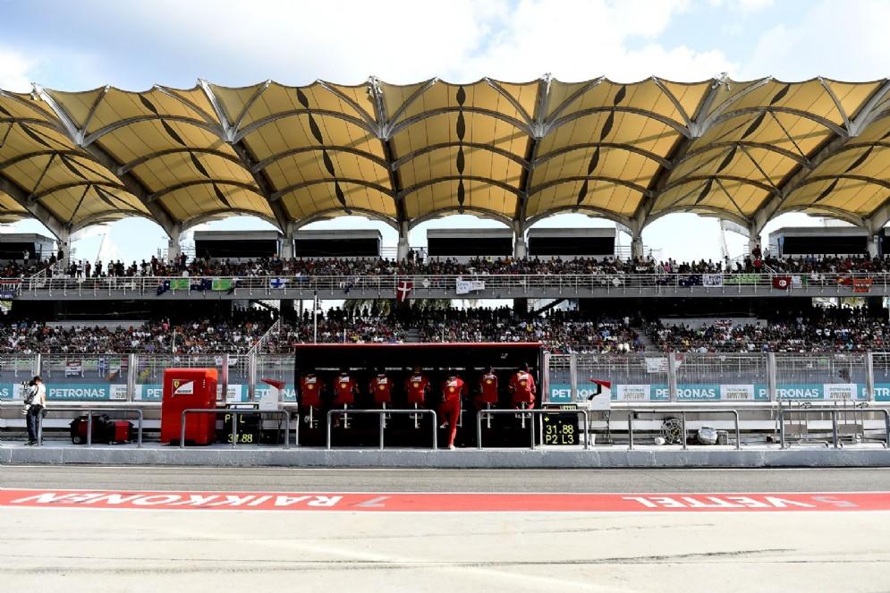 Il muretto della Ferrari in Malesia