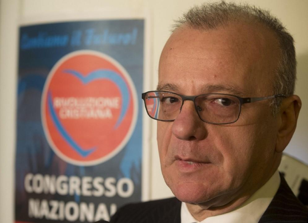 Gianfranco Rotondi durante il primo congresso Nazionale di Rivoluzione Cristiana a Roma, 19 dicembre 2015