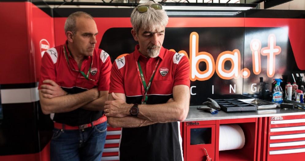 Il responsabile del progetto Superbike Ernesto Marinelli con il direttore generale Gigi Dall'Igna