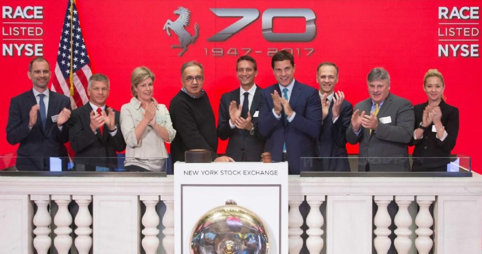 Sergio Marchionne suona la campanella di Wall Street