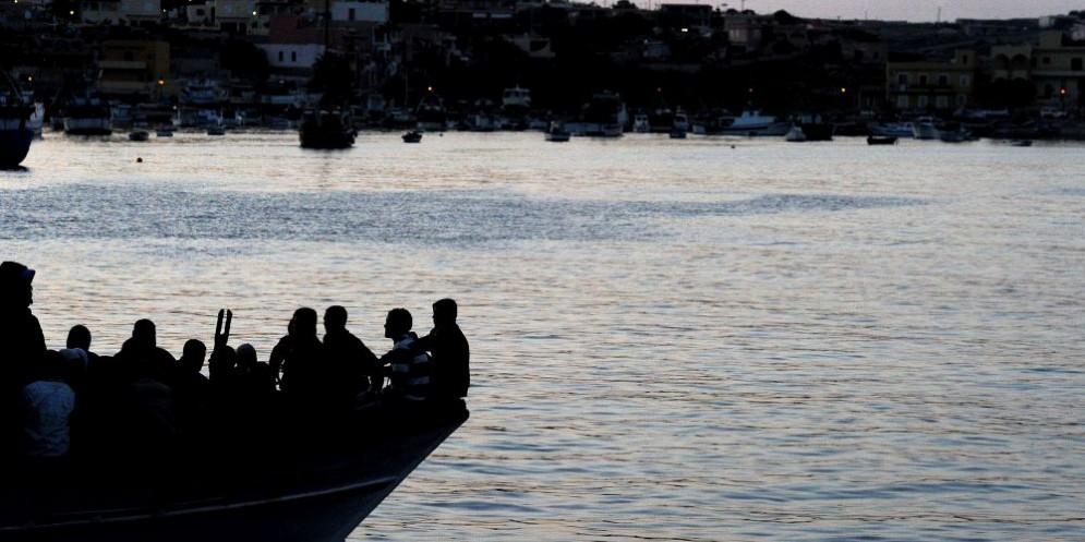 Manuel Cantelli, poliziotto in servizio a Lampedusa, ha lanciato l'allarme sulla questione immigrazione.