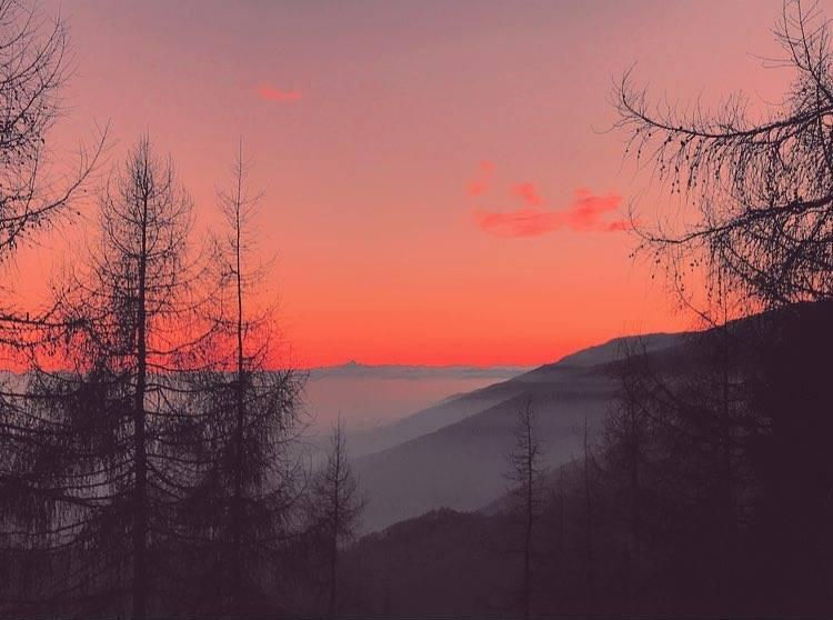Suggestivo tramonto rosa dal Bocchetto Sessera