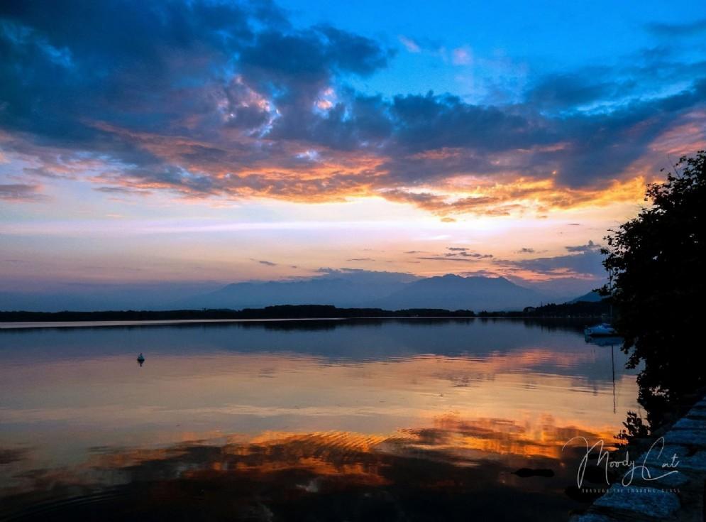 Il lago di Viverone al tramonto