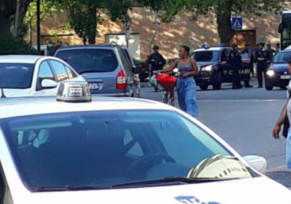 Un'agente dell'Italpol è stata aggredita nelle vicinanze del supermercato Pam