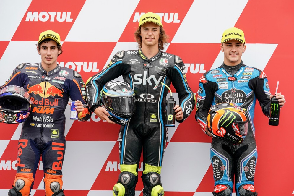 La prima fila del GP del Giappone di Moto3: Bulega, Antonelli e Canet