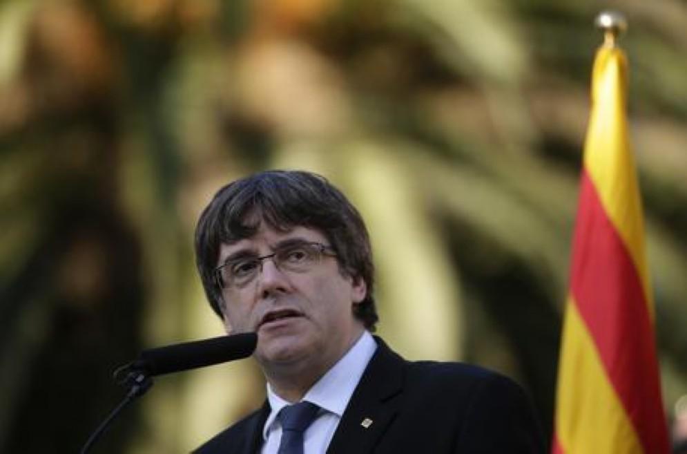 il presidente della Generalitat di Catalogna Carles Puigdemont