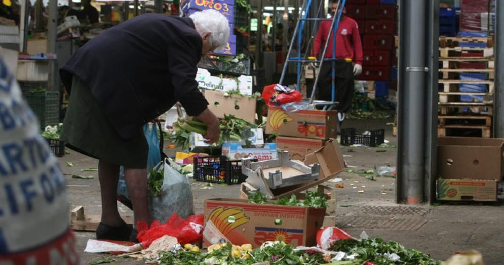 In Italia 14,4 milioni rischiano la povertà