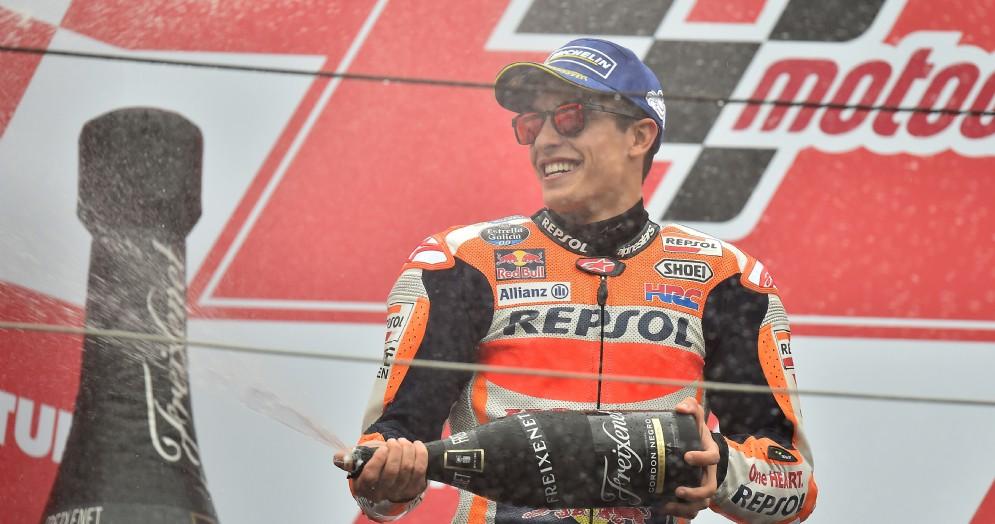 Marc Marquez sul podio del Gran Premio del Giappone