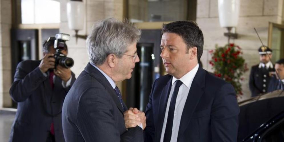 Il Premier Gentiloni con il Segretario del PD, Matteo Renzi