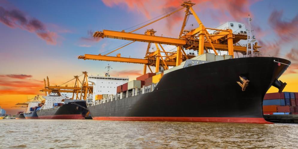 Commercio estero, Istat: ad agosto salgono sia import ed export