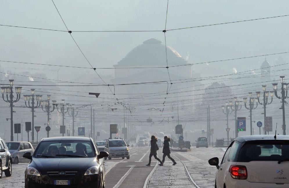 Allarme smog a Torino, in arrivo il semaforo viola