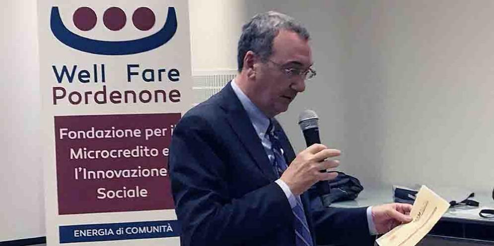 """Sergio Bolzonello (Vicepresidente Regione FVG e assessore Attività produttive, Turismo e Cooperazione) al convegno """"Nuovo welfare aziendale e legami di comunità"""""""