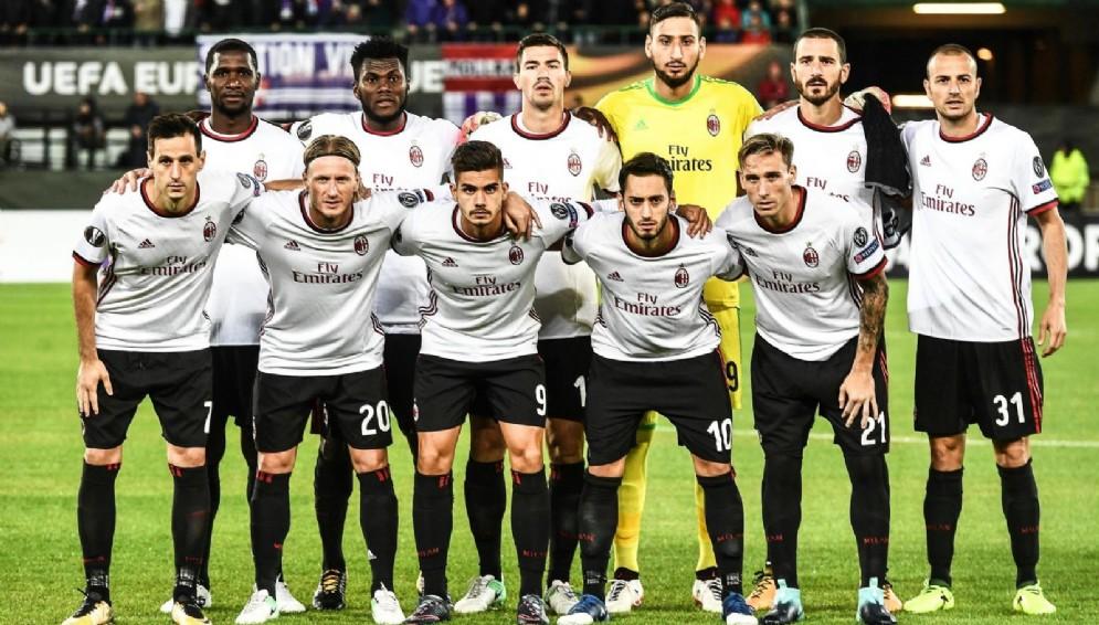La formazione rossonera vittoriosa a Vienna contro l'Austria