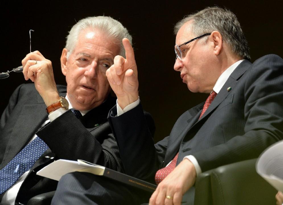 Mario Monti con il governatore della Banca d'Italia Ignazio Visco