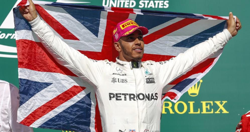 Lewis Hamilton sul gradino più alto del podio ad Austin