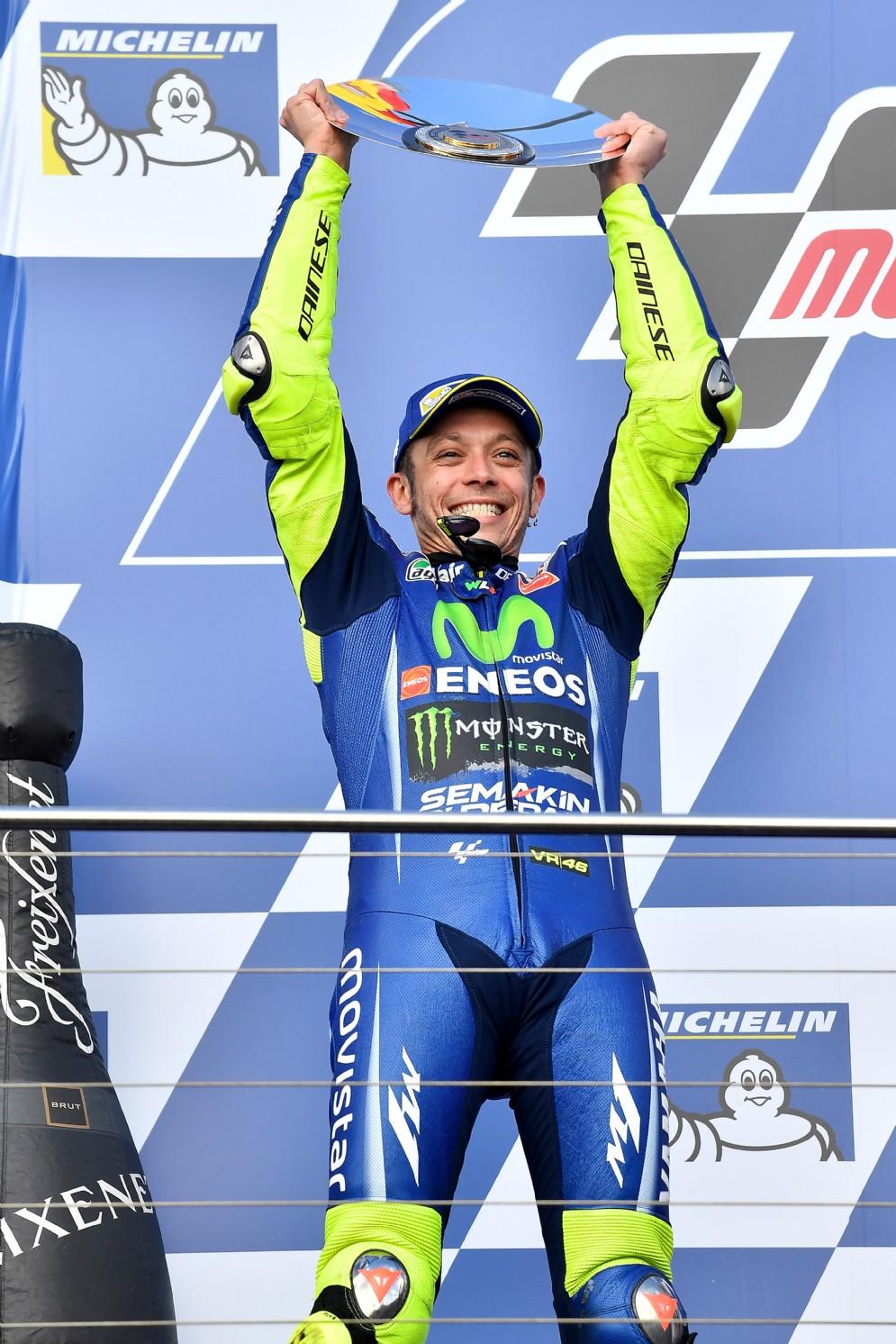 Valentino Rossi sul secondo gradino del podio a Phillip Island
