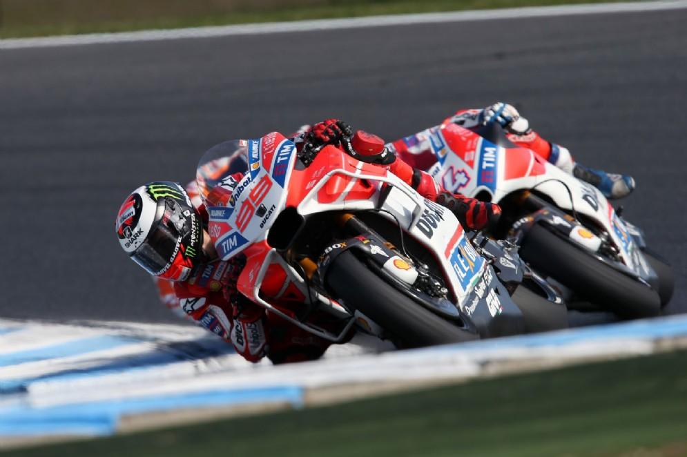 Le due Ducati di Jorge Lorenzo e Andrea Dovizioso durante il GP d'Australia
