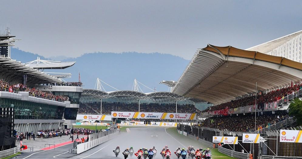 La partenza dell'ultima edizione del Gran Premio della Malesia di MotoGP