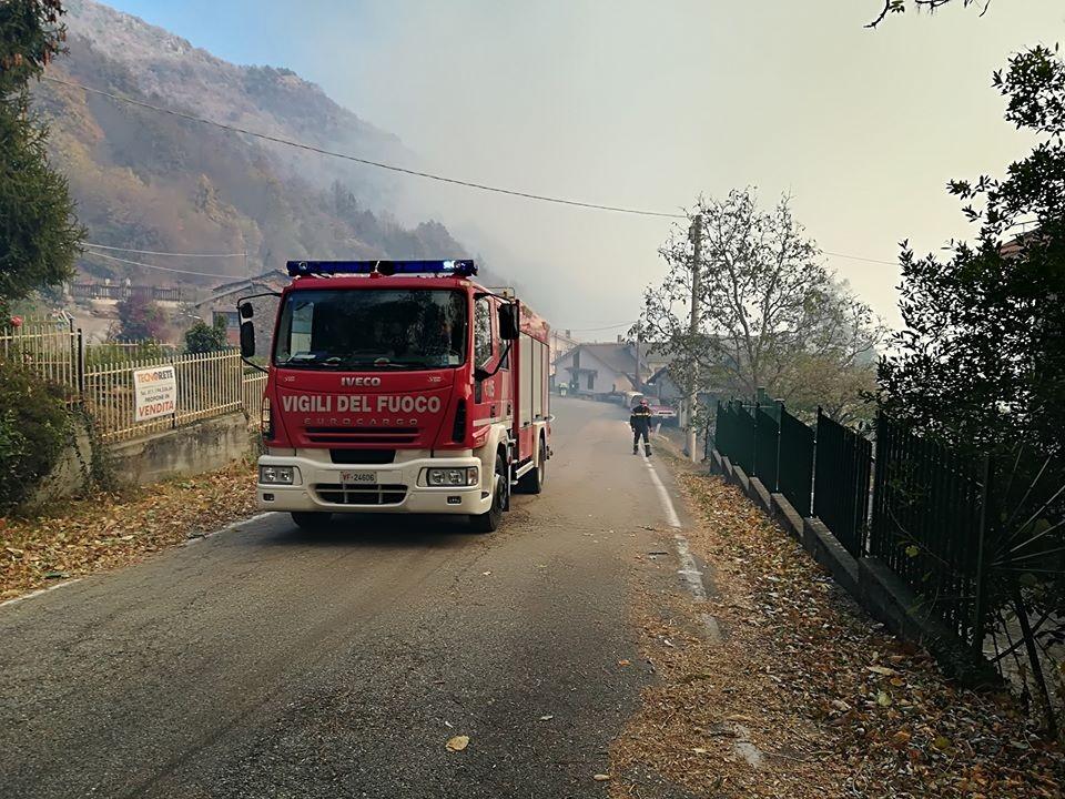 Un ragazzo è morto a Cantalupa, nel tentativo di spegnere le fiamme