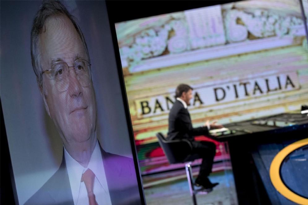 """Il segretario del Pd, Matteo Renzi, durante il programma Rai """"1/2h in piu'"""" di Lucia Annunziata"""