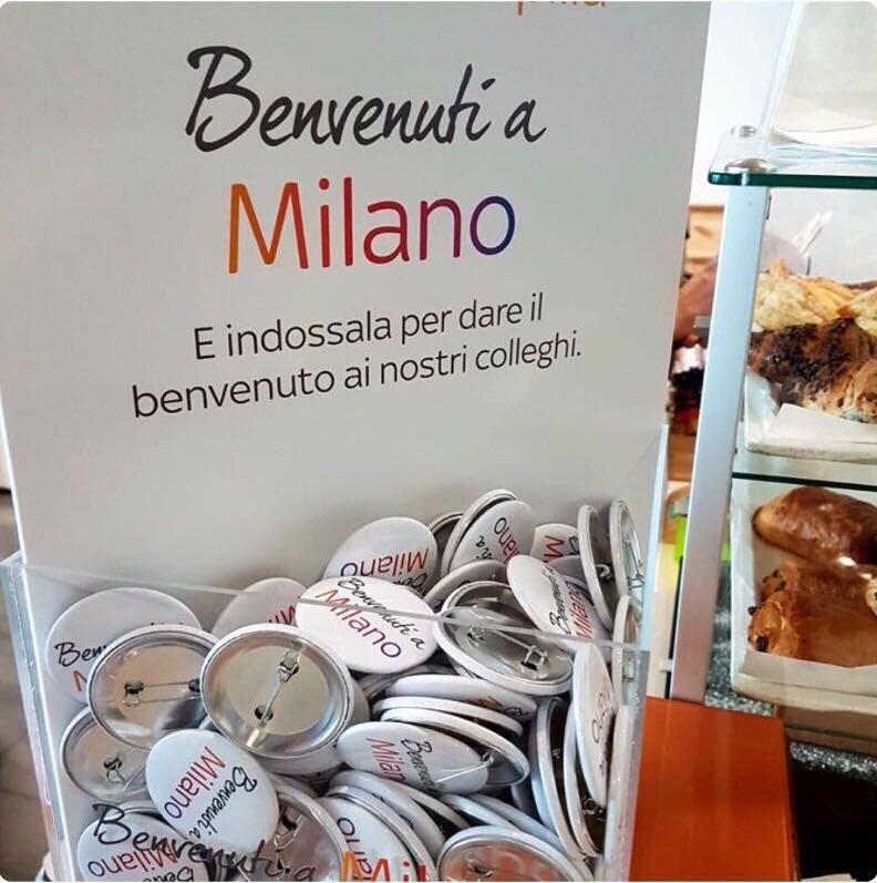 Spillette «simpatiche» hanno «accolto» i nuovi dipendenti di Sky trasferiti da Roma a Milano
