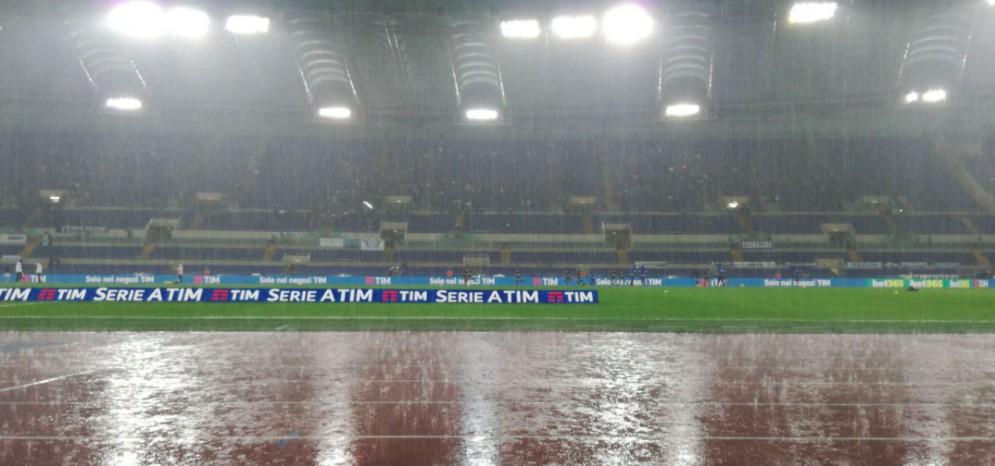 Pioggia battente sull'Olimpico