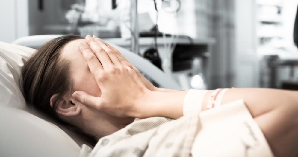 Tumori, aumentano le diagnosi tra le donne