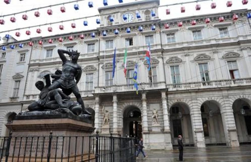 Palazzo Civico mette all'asta cento auto