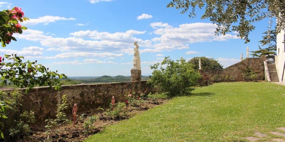 San Martino: un viaggio tra Parole, Musica e Racconti all'Abbazia