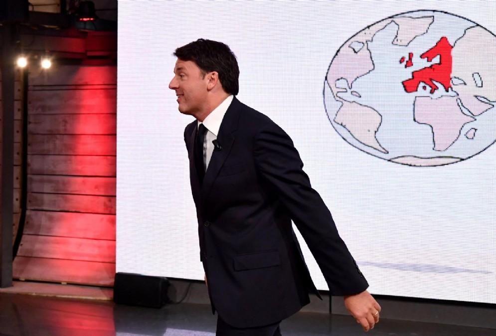 """Il segretario del Partito Democratico, Matteo Renzi, ospite del programma di La7 """"diMartedì"""", condotto da Giovanni Floris"""