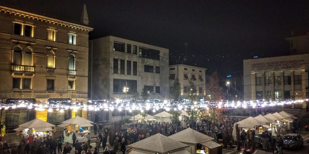 Piazza XX settembre, grande weekend tra musica live, giochi e degustazioni