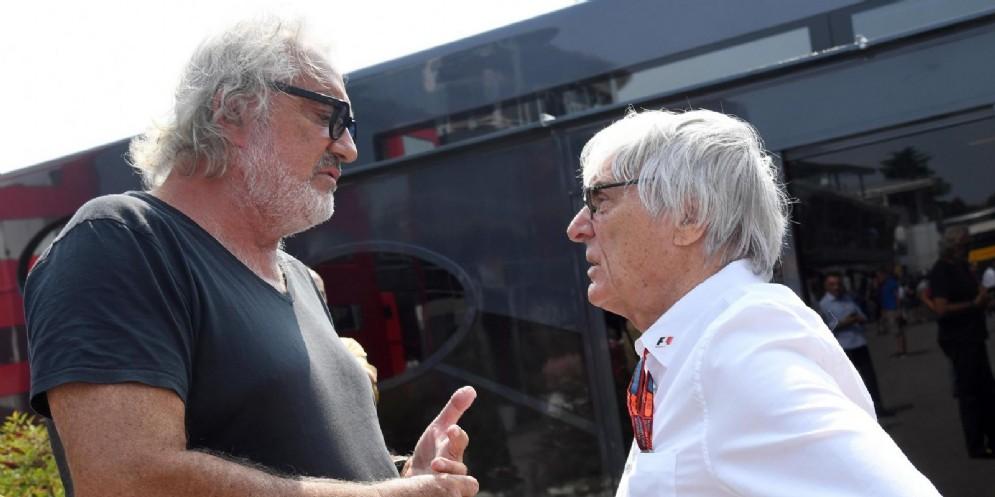 L'ex team principal Flavio Briatore con l'ex patron della F1 Bernie Ecclestone