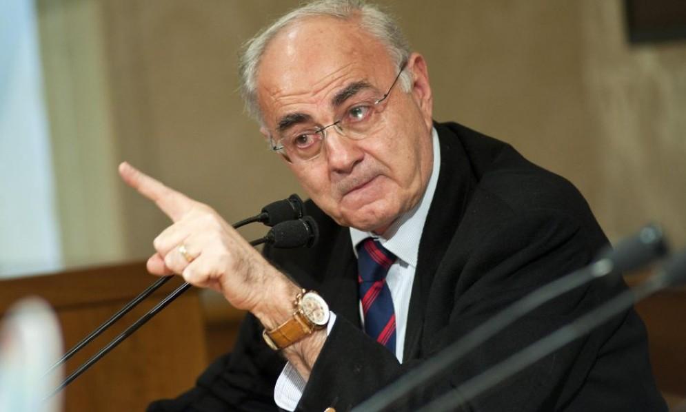 Il senatore Elio Lannutti è autore del libro «Morte dei Paschi»