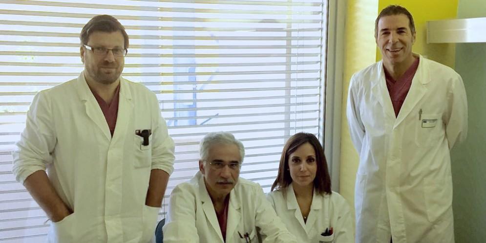 L'équipe dell'Oncologia Chirurgica Generale del Cro, da sinistra: Matteo Olivieri, Giulio Bertola (Direttore), Stefania Basso e Claudio Belluco