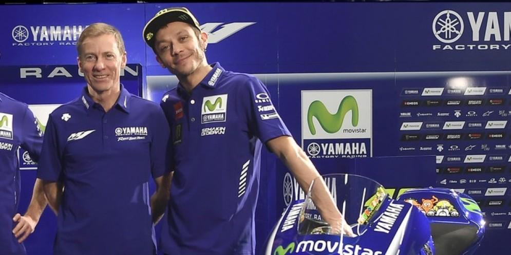 Il team principal della Yamaha, Lin Jarvis, con Valentino Rossi