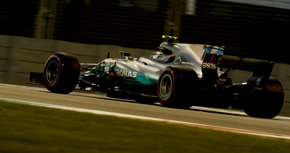 Valtteri Bottas al volante della Mercedes ad Abu Dhabi