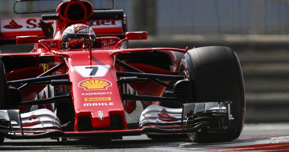 Kimi Raikkonen al volante della Ferrari nei test di Abu Dhabi