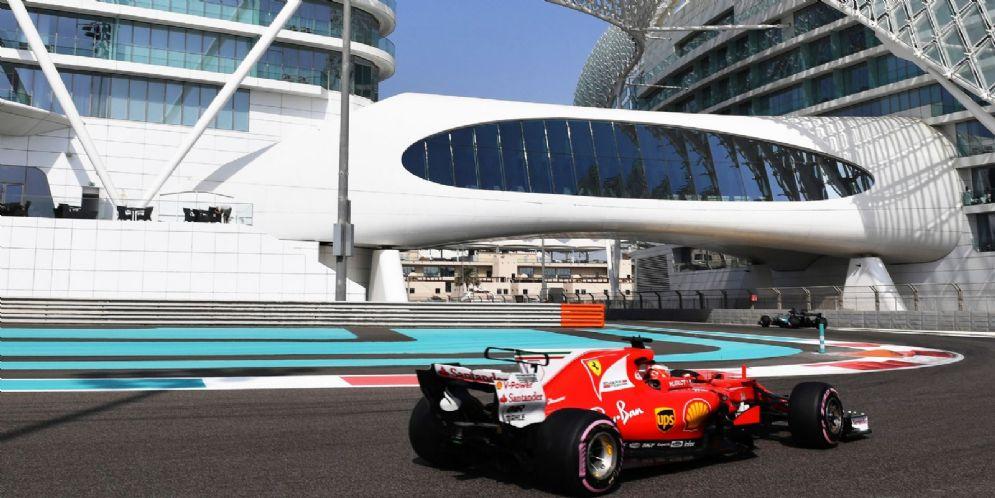 La Ferrari in pista nei test ad Abu Dhabi
