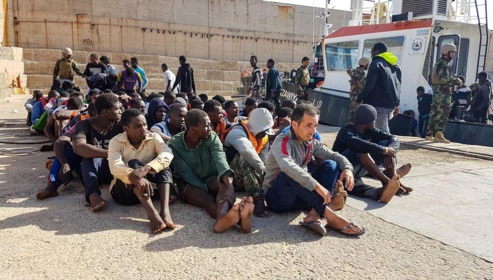Operazione della Guardia Costiera libica al largo di Zawiya, nord ovest Libia, 27 giugno 2017