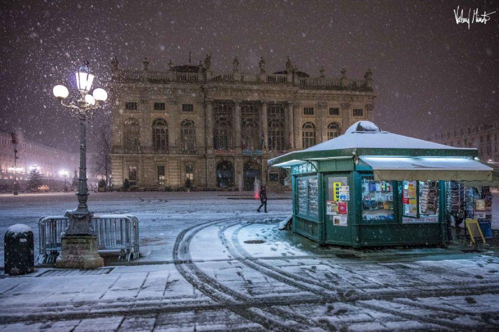 Una notte di neve in città (© Valerio Minato)