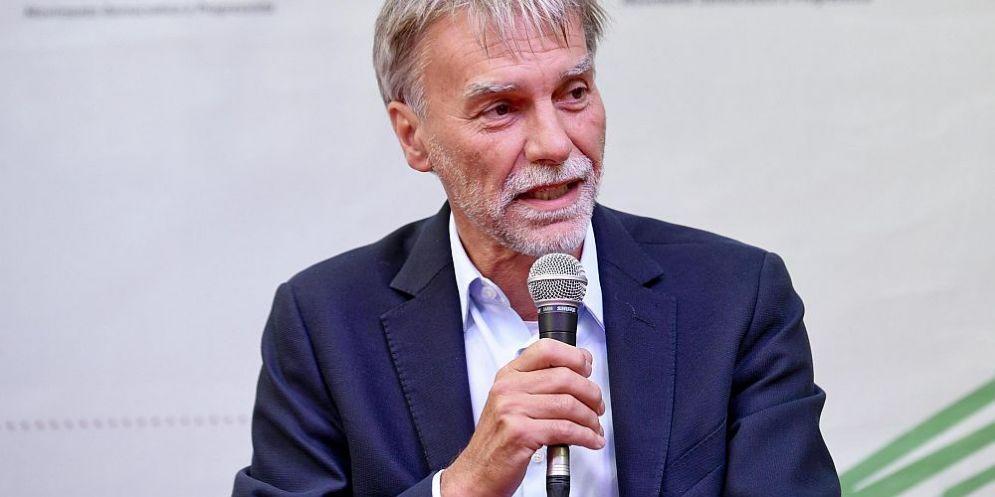 Il ministro delle Infrastrutture e dei Trasporti , Graziano Delrio, a proposito di ius soli e biotestamento