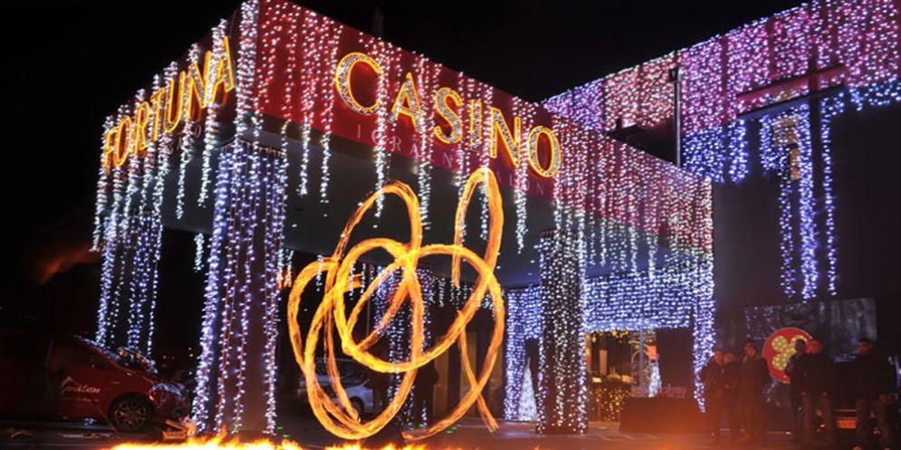 Inaugurazione del periodo natalizio al Casinò Perla tra luci e musica