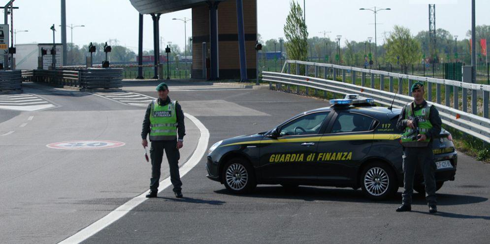 """Le Fiamme Gialle sequestrano 24 tonnellate di pellet """"italiano al100%"""": era prodotto in Polonia"""