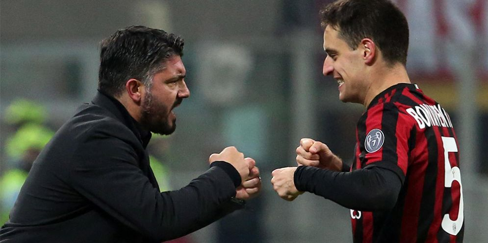 Il gesto d'intesa tra Rino Gattuso e Bonaventura dopo il gol del vantaggio del Milan