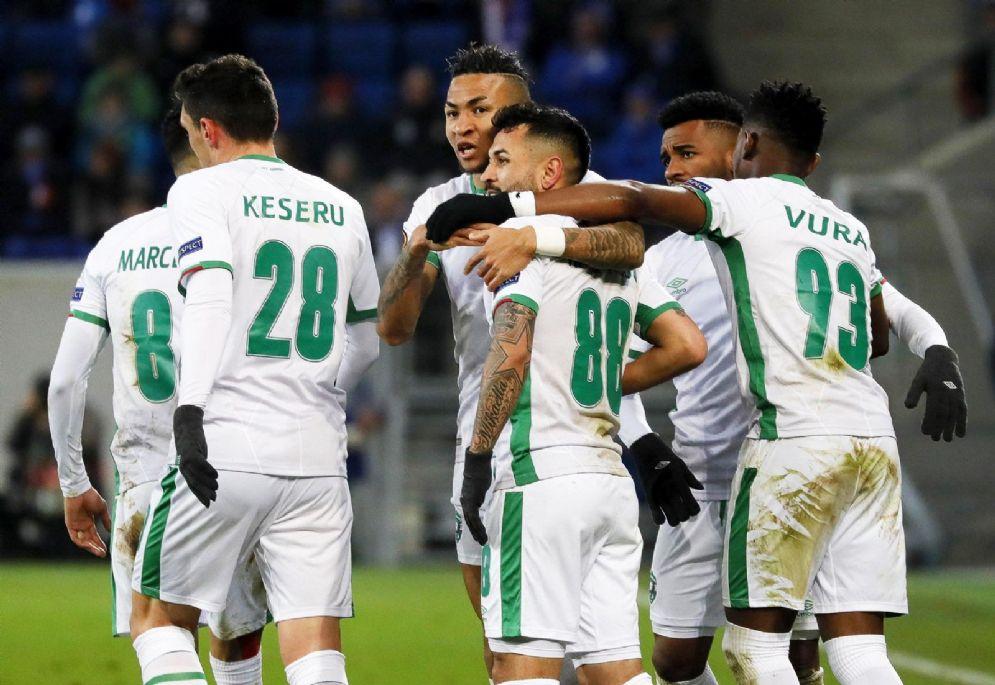 I bulgari del Ludogorets esultano dopo un gol