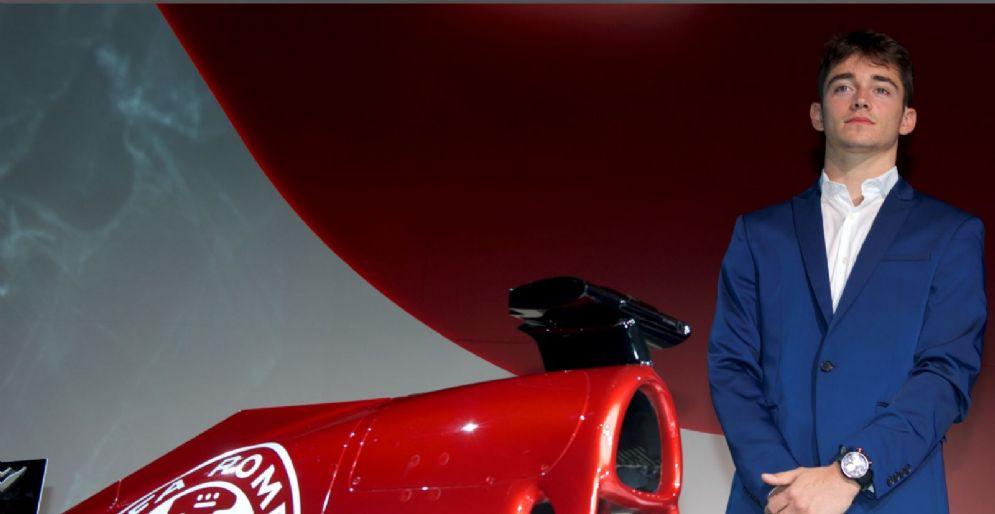 Charles Leclerc con la monoposto della Alfa Romeo Sauber