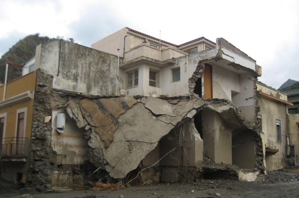 Nubifragio a Messina del 2009, scoppia il caso sull'abusivismo edilizio