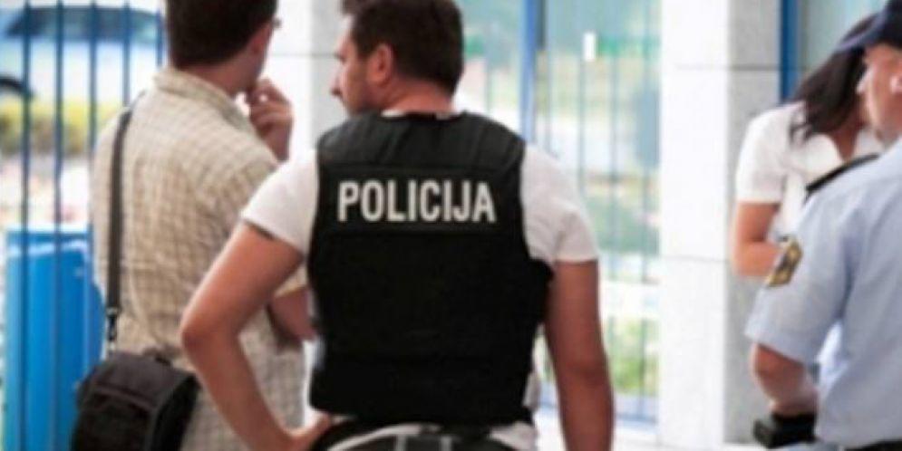 Anziano denuncia aggressione da parte di poliziotti sloveni