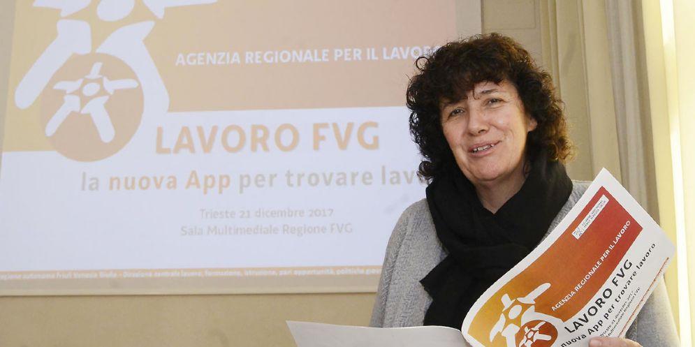 Lavoro: la ricerca dell'impiego, in Fvg, si fa su smartphone